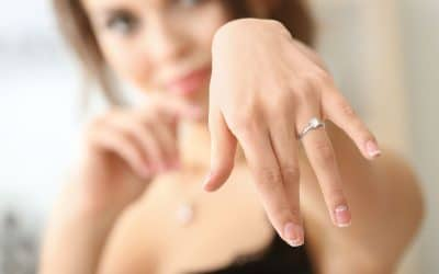 Is Moissanite Good for an Engagement Ring? | 8 Useful Facts